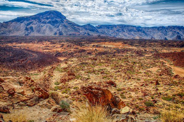 volcanic-landscape-3902457_1280